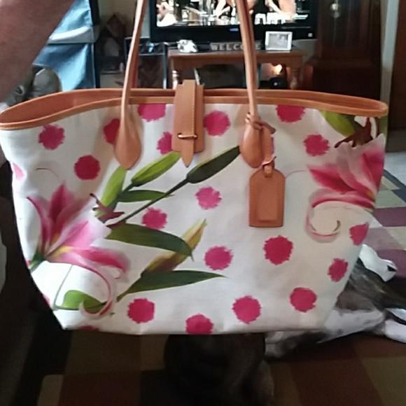 80fdb4db3db2 Dooney & Bourke Bags | Db Addison Lilly Tote | Poshmark